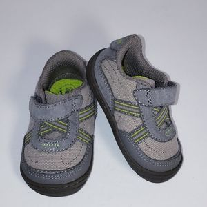 Stride Rite Velcro Baby Shoes Size 3 NEW